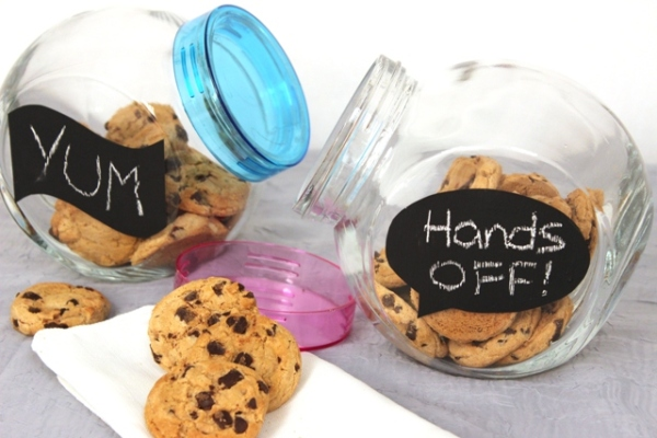 Cookie Jars With DIY Chalkboard Labels