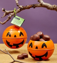 halloween-party-favors-fannie-may-pumpkin-tins